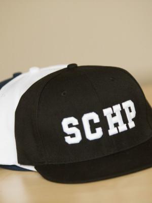 SCHP snapback sapka