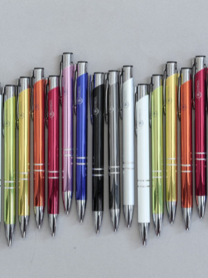 Színes tollak