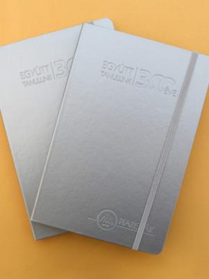 Jubileumi bőrhatású jegyzetfüzet