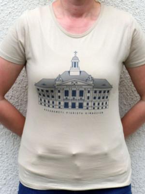 Kecskeméti iskolaépületes női póló